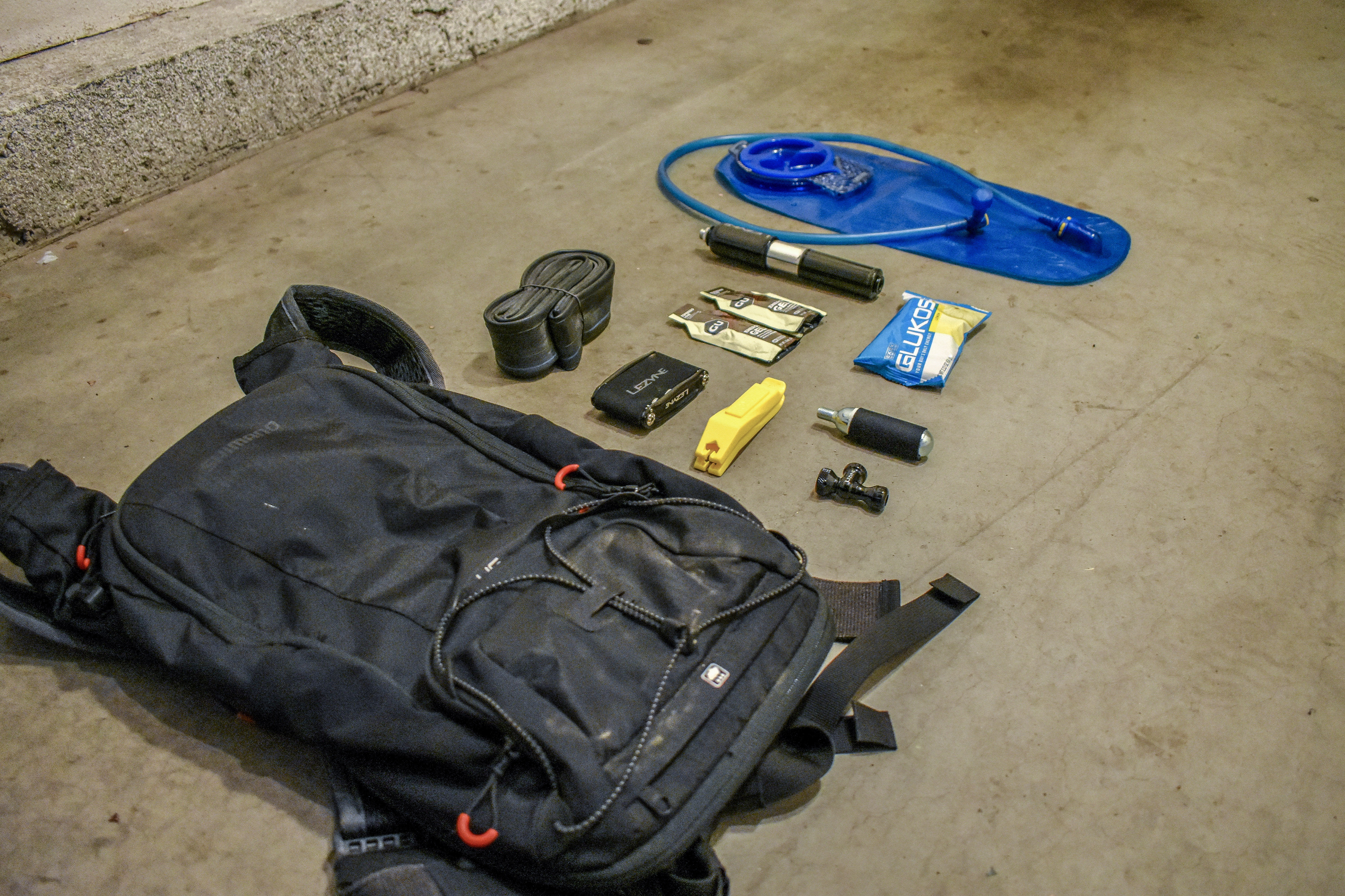 mountain bike pack essentials how to pack for mtb | #scoutofmind