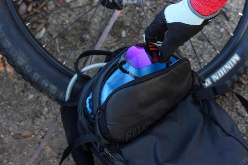 Review of the Fox Racing Convoy Hydration Pack | A performance trail bag designed to keep you hydrated and stocked with the #mountainbike supplies for your ride | www.scoutofmind.com