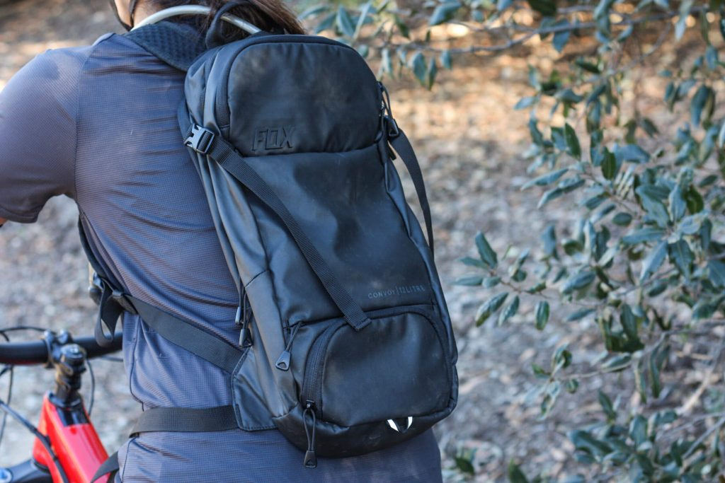 Review of the Fox Racing Convoy Hydration Pack | A performance trail bag designed to keep you hydrated and stocked with the #mountainbike supplies for your ride |